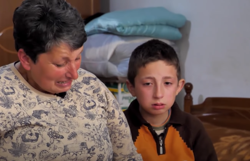 """""""Ma mos qaj, unë do rritem dhe do të punoj për të dy"""" Historia pikëlluese e jetimit shqiptar"""