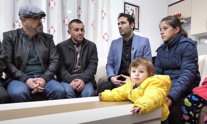 Pas humbjes së gruas e vajzës, Jetmiri do t'i rrisë fëmijët në banesë të re