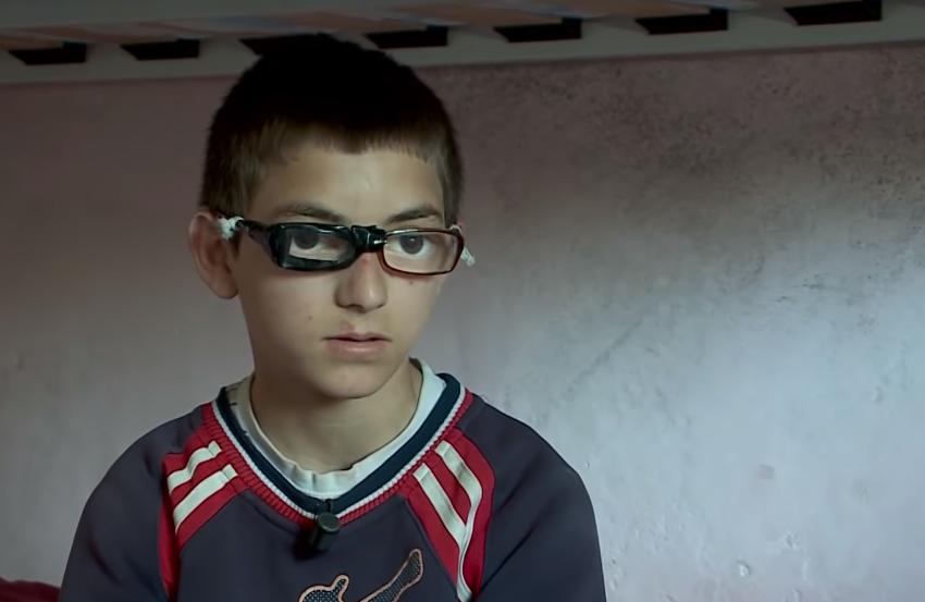 12-vjeçari gjeni në matematikë probleme me sytë: Dua një palë syze