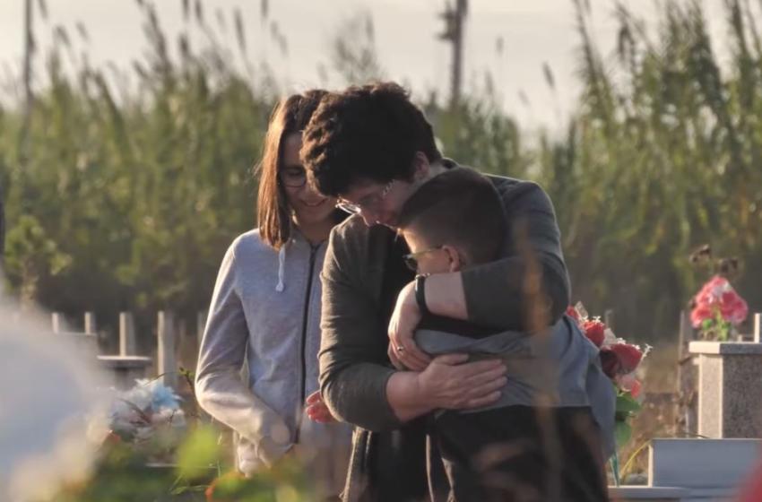 Humbi jetën në azil, video mesazhi i ndjerë i nënës së dy fëmijëve