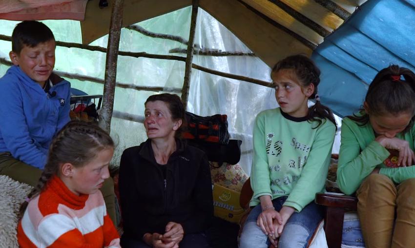 Merr fund tragjedia e 7 jetimëve shqiptarë që jetonin në mes të pyllit, ja çfarë ndodhi