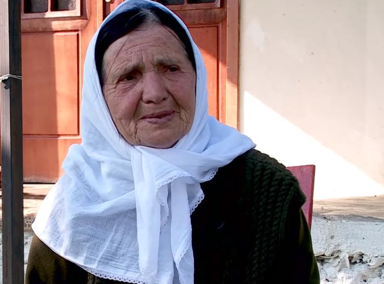 """""""Fukarrallëk e vuajtje, mbeta vetëm"""" Historia e të moshuarës nga Puka"""