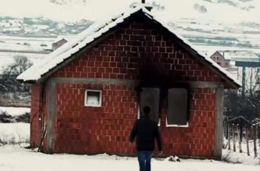 Shtëpinë e ndërtuar me duart e veta ia morën flakët, shqiptarët i rindërtojnë banesën