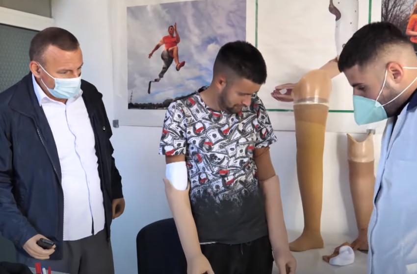 Shqiptarët i bashkohen misionit të Izet Onuzit, pajisen me proteza mbi 10 të pamundur