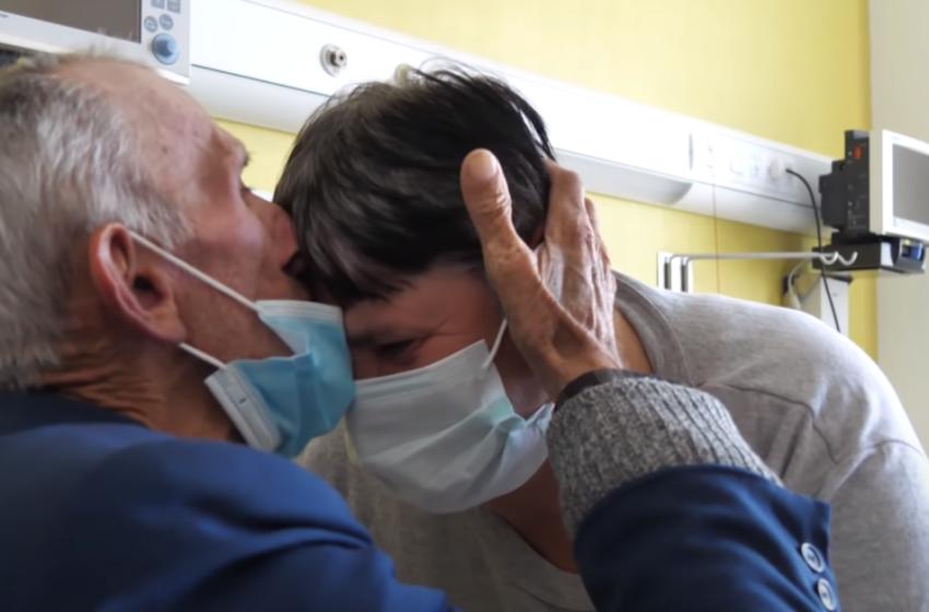"""""""Pa fëmijë jam, por sot ju kam juve"""" Të moshuarit përloten kur shohin çfarë bënë shqiptarët"""