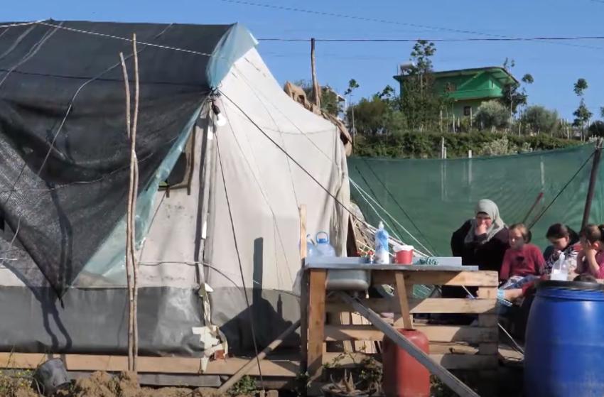 Apeli prekës i shqiptarit me aftësi të kufizuara nxjerr nga 'ferri' familjen me 4 fëmijë