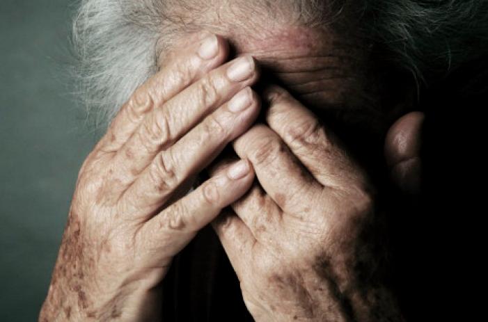 """""""Më torturoi"""" Flet e moshuara e dhunuar nga nipi! Indinjatë në rrjetet sociale"""