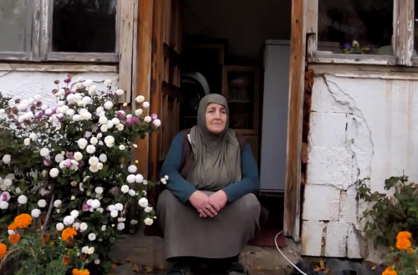 """""""Na nxorrët nga terri në dritë"""" Nënë Lokja përlotet kur sheh çfarë kanë bërë shqiptarët"""