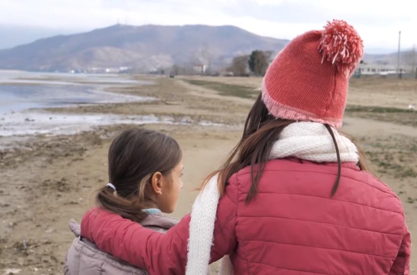 """""""Amaneti i babait shkoi në vend falë shqiptarëve"""" Çfarë ndodhi me dy jetimet që jetonin në varfëri"""