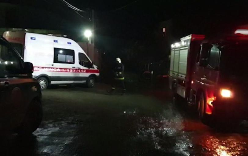 Një grua e paralizuar s'mundi t'i shpëtojë dot flakëve në banesën e saj në Vlorë
