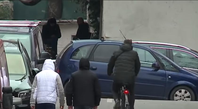 """""""Qoshet shikoni, atje rrinë ata""""  Një fenomen që po shqetëson familjet shqiptare"""