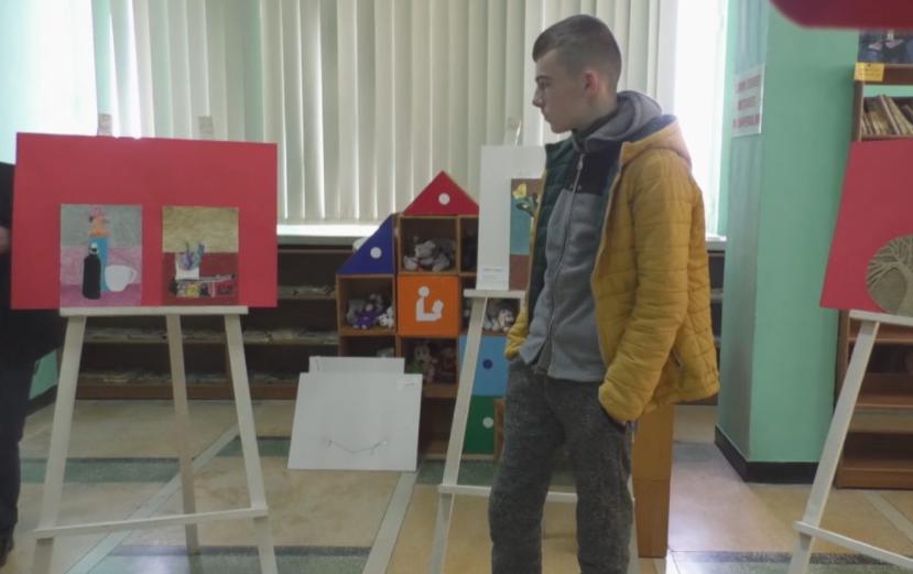 Tre ekspozita pikture! Historia e shqiptarit autik, që e ka gjetur veten tek arti