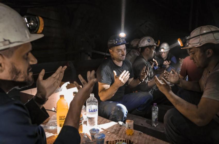 Të mbash Ramazan 500 metra nëntokë… historia frymëzuese e minatorëve në Bosnje