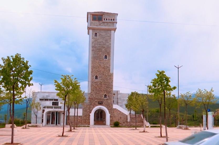 Kulla e mikpritjes në Kukës, një dhuratë ku mbahen të gjalla kujtimet e luftës së Kosovës