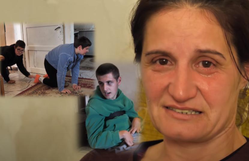 Tre fëmijët e saj të paralizuar zvarriten në tokë! Thirrja e një nëne fatkeqe drejtuar shqiptarëve