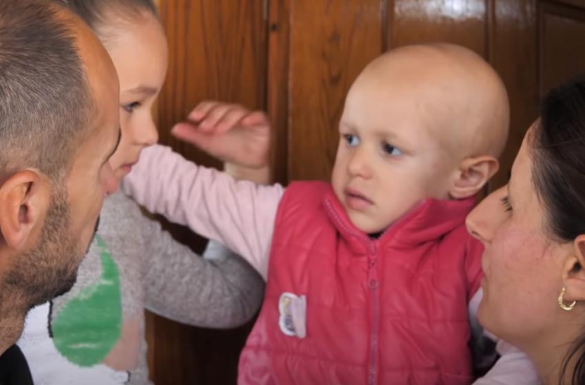 Si është Bona, vogëlushja e prekur nga kanceri? Nëna e saj na dërgon këtë video