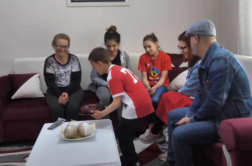 I ati i braktisi, por jo shqiptarët! Tre fëmijët mrekullohen nga surpriza e madhe