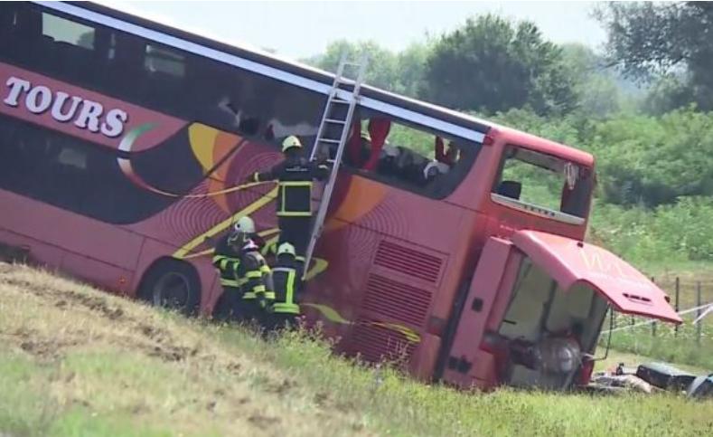 26 udhëtarë që shpëtuan pa lëndime serioze do të nisen drejt Kosovës! Sot mbërrijnë dhe trupat e 10 të ndjerëve
