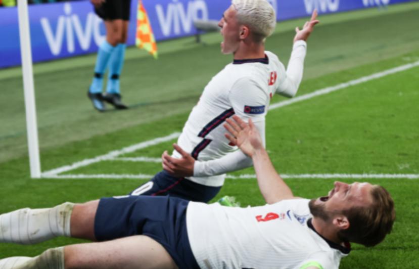 """""""It's coming home"""" Anglia vuan përpara Danimarkës, fiton në minutat shtesë me anë të një penalltie"""