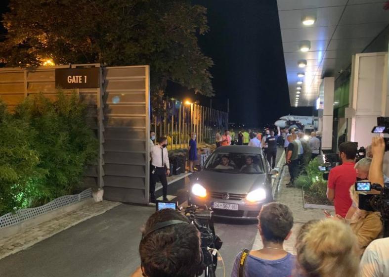 Pamjet nga aeroporti Prishtinës, mbërrijnë 26 udhëtarët që i shpëtuan aksidentit në Kroaci