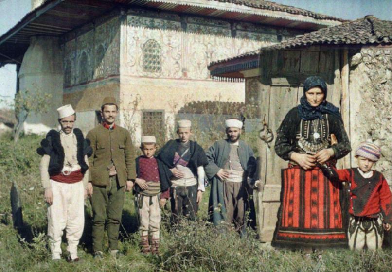 Foto të rralla me ngjyra, si dukej Shqipëria e shqiptarët para 1 shekulli